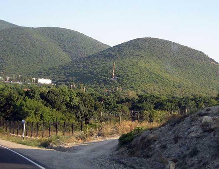 Дорога в Краснодарском крае, к югу от Анапы. Фото: Shakko/commons.wikimedia.org