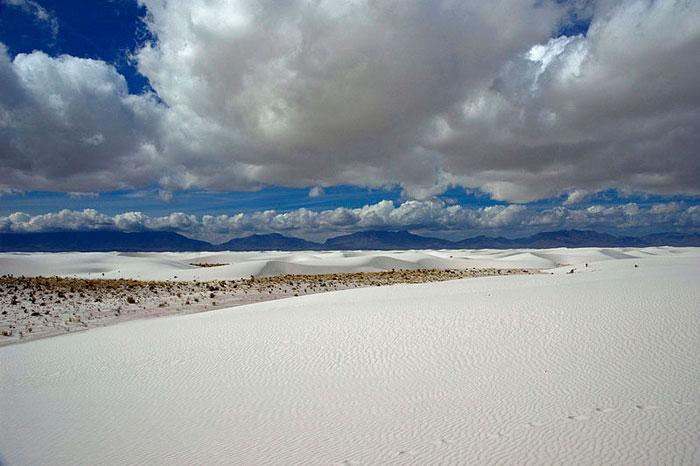 Белоснежные пески заповедника Уайт-Сендс, США. Фото: Raul Diaz/commons.wikimedia.org