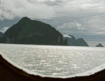 Вид на Аляску из корабельного окна. Фото РИА Новости