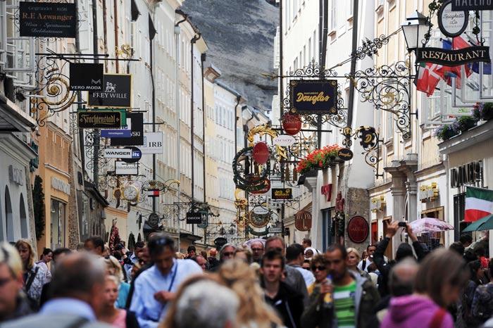 Зальцбург - один из самых известных культурных центров Австрии. Многим он известен как место рождения великого композитора В.А. Моцарта. Фото: Martin Schalk/Getty Images