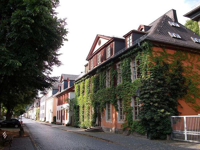 Вильгельмштрассе — название многочисленных улиц в Германии, названных преимущественно в честь кайзера Вильгельма I. Фото: Stefan Didam/commons.wikimedia.org