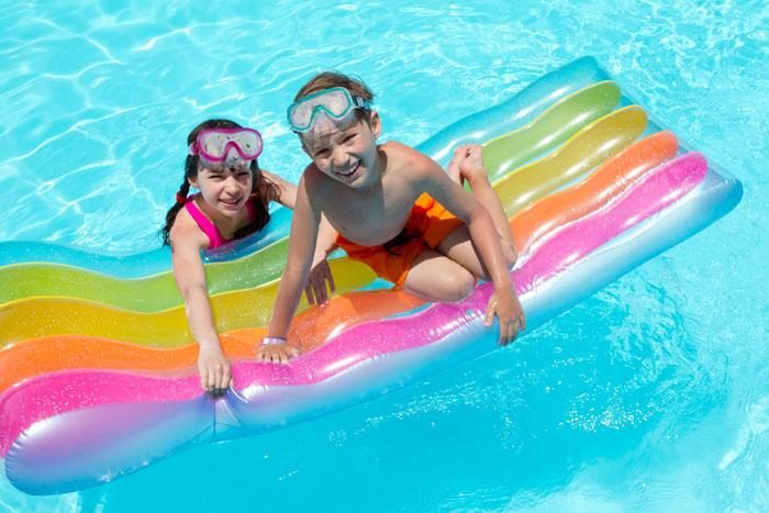 Бассейн обязательно должен присутствовать в отеле. Это особенно актуально, если поблизости нет хорошего пляжа для купания. Фото: Marzanna Syncerz/Photos.com