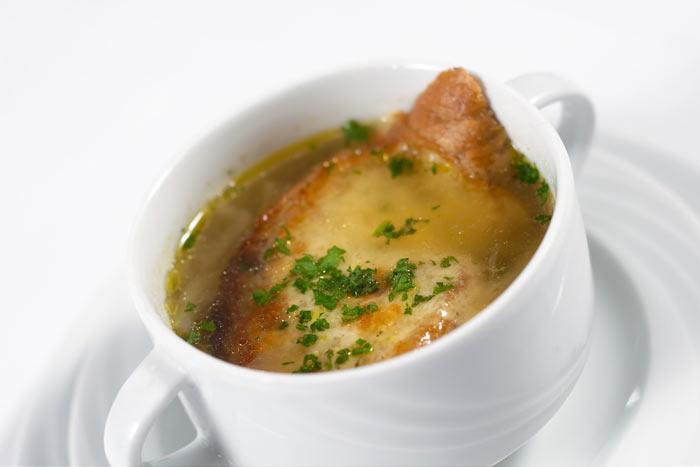 Луковый суп. Фото: majordomo/Photos.com