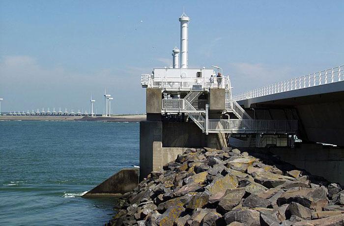 Защитное сооружение Северного моря Нидерландов. Фото: Dickbauch/commons.wikimedia.org