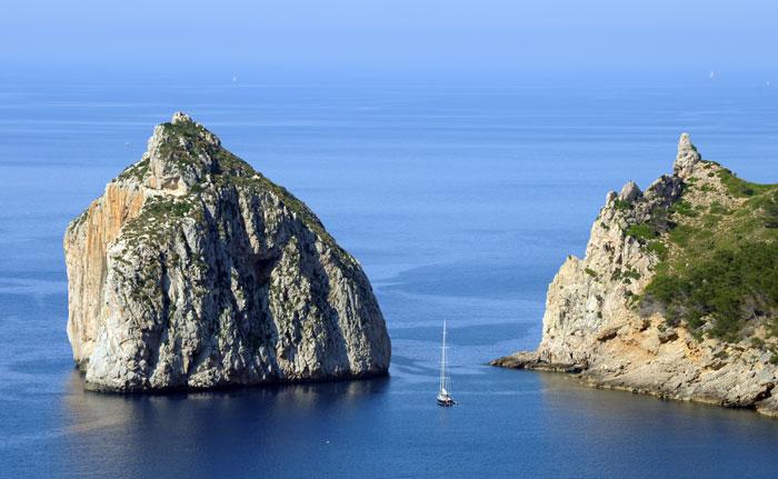 Полуостров Форментор - один из красивейших пляжей острова Майорки, Испания. Фото:   Sascha Baumann/Getty Images