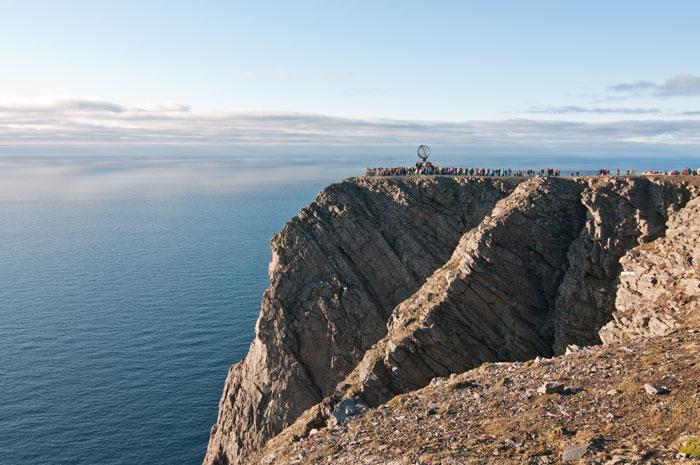 Туризм вдоль норвежских земель. Мыс Нордкап. Фото: majordomo/Photos.com