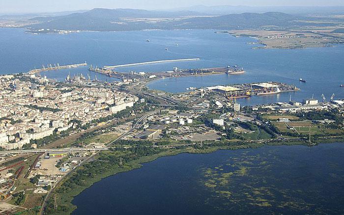 Бургас является важным экономическим, транспортным, административным и культурным центром в Юго-Восточной Болгарии. Фото: Vammpi/commons.wikimedia.org