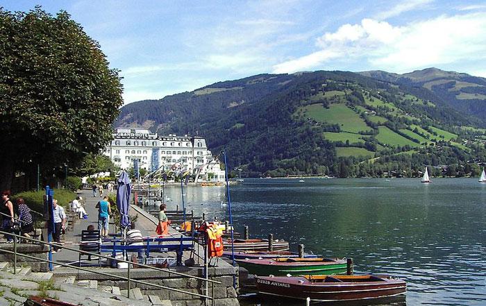 Курорт Цель-ам-Зее находится на юго-западе земли Зальцбург на берегу озера Целлер-Зее, в 80 км от Зальцбурга, Автрия. Фото: Joachim Kohler/commons.wikimedia.org