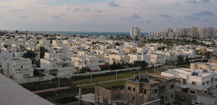 Ашдод — шестой по величине город в Израиле, расположенный в Южном округе страны на побережье Средиземного моря, в тридцати километрах к югу от Тель-Авива. Фото: Kberlin/commons.wikimedia.org