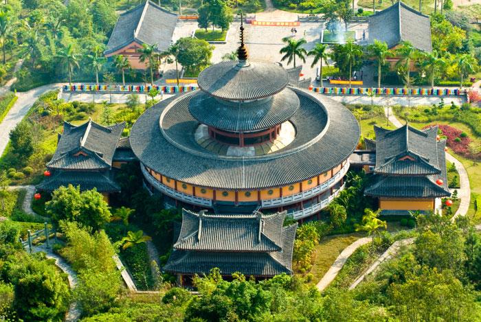 Хайнань - огромный тропический остров, расположенный на самом юге Китая. Фото: Huaizhong Wang/Photos.com
