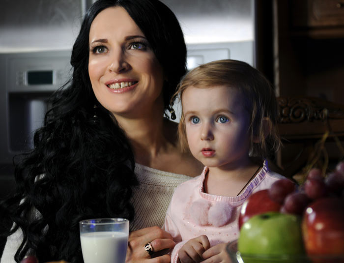 Певица Евгения Лагуна с дочерью. Фото предоставлено Радмиром Хуснутдиновым