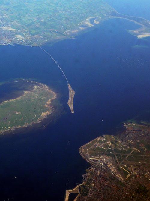 Эресуннский мост-тоннель, пересекающий границу между Данией и Швецией. Фото: Koosha Paridel/commons.wikimedia.org