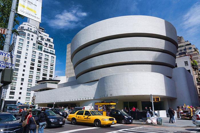Музей Соломона Гуггенхайма — музей искусства в США, одно из ведущих собраний современного искусства в мире. Фото: Jean-Christophe BENOIST/commons.wikimedia.org