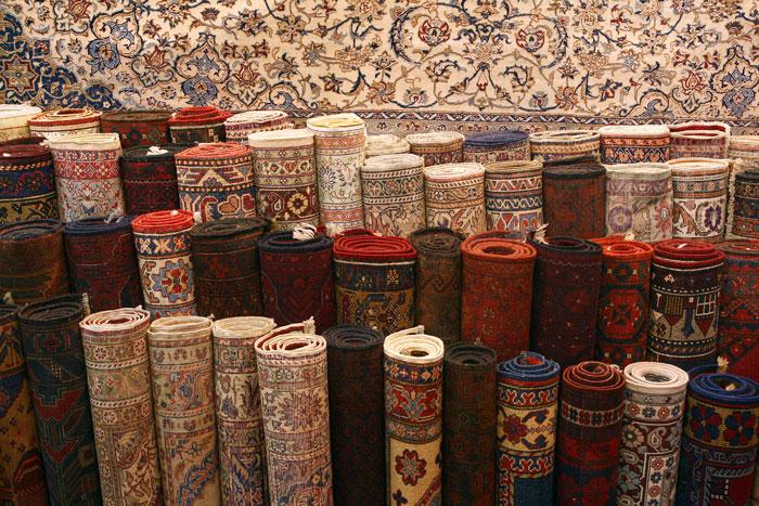 Турецкие ковры сегодня известны по всему миру. Фабрики по производству ковров находятся в Анталье, Хереке, Бергаме, Таспинаре и других регионах Турции. Фото: Julian Finney/Getty Images
