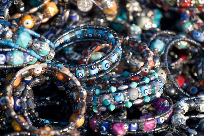 Турецкие браслеты. Фото: Jo Ann Crebbin/Photos.com