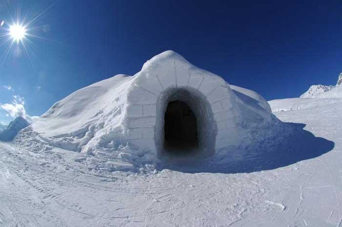 Температура внутри снежных иглу не поднимается выше нуля, Швейцария. фото: iglu-dorf.com