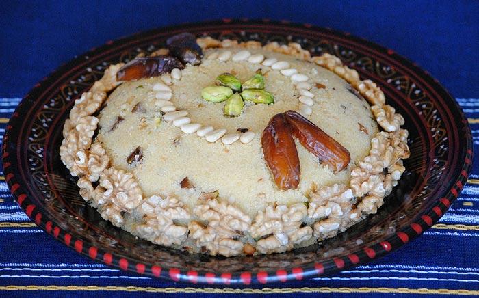 Масфуф - это сладкая каша из крупы кус-кус с сухофруктами, орехами. Фото: eryv/flickr.com
