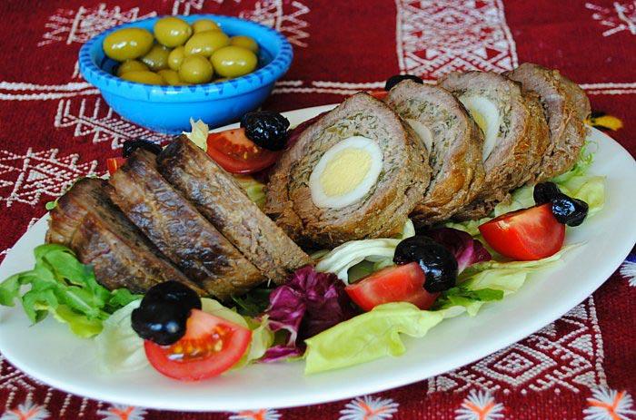 Мясной хлеб, фаршированный яйцом с овощами. Фото: eryv/flickr.com