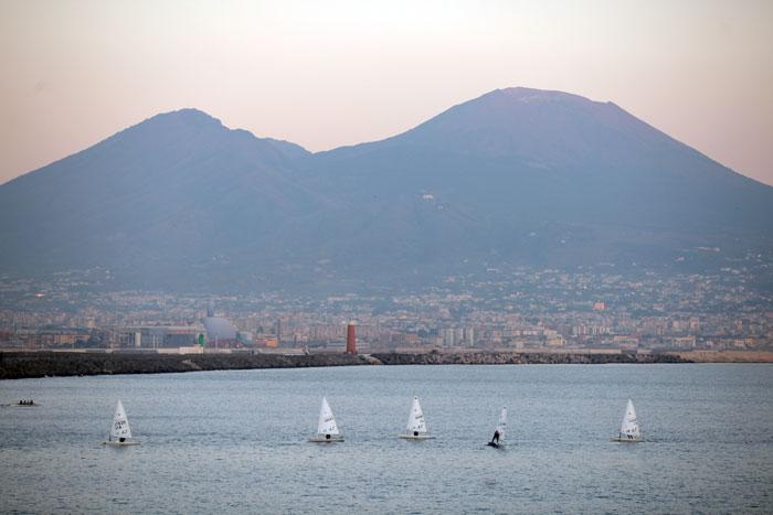 Водный вид спорта в Италии берет свое начало со Средиземного моря, которое омывает все побережье Италии. Фото: Christopher Furlong/Getty Images