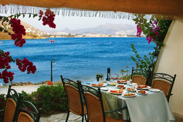 Турция может предложить множество хороших ресторанов, где вы насладитесь национальной кухней. Фото: Kolupaev/Photos.com