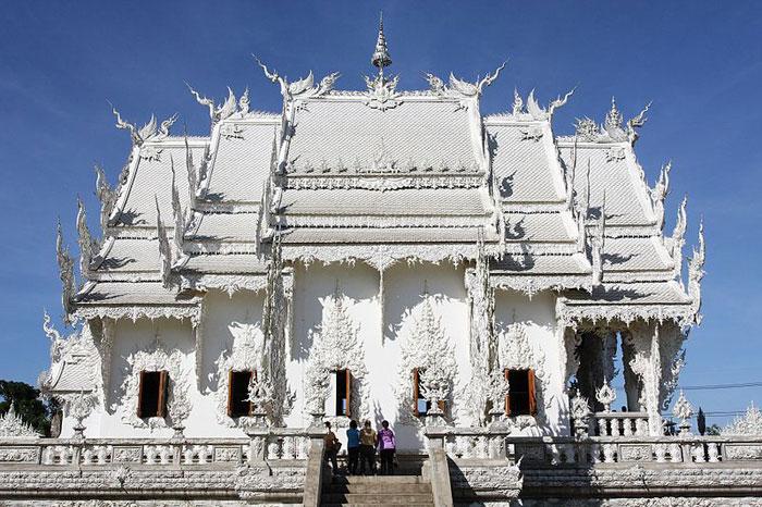 Храм Wat Rong Khun, Таиланд. Фото: Ddalbiez/commons.wikimedia.org