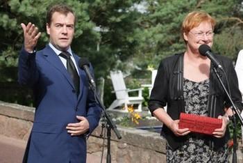 Дмитрий Медведев и президент Финляндии Тарья Халонен заявили об