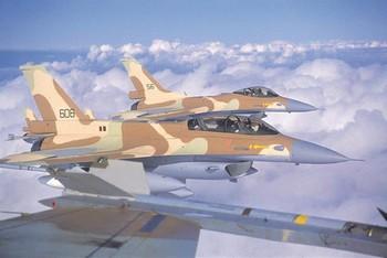 Истребители-бомбардировщики израильских ВВС F-16. Фото с shaon.livejournal.com