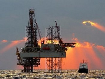 Нефтяная платформа. Фото с houghton-international.com