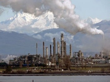 Нефтеперерабатывающий завод Tesoro в Анакорте, штат Вашингтон. Фото с сайта Википедии