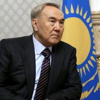 Нурсултан Назарбаев снял проблему проведения референдума о продлении своих полномочий до 2012 года. Фото с runews.su