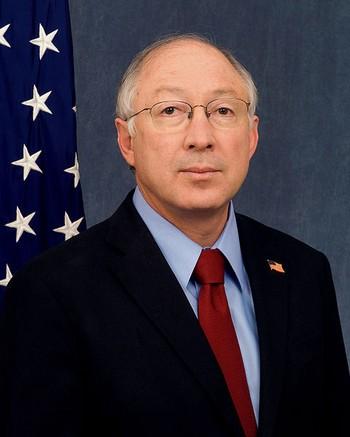 Министр внутренних дел США Кен Салазар. Фото: commons.wikimedia.org