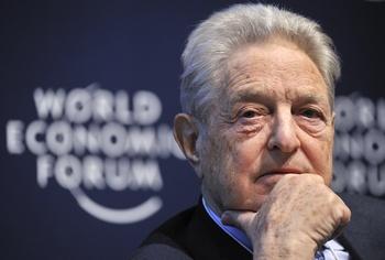 Известный американский финансист Джордж Сорос. Фото:FABRICE COFFRINI/AFP/Getty Images