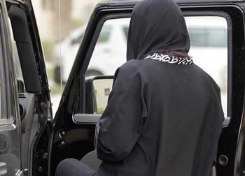 Женщины Саудовской Аравии протестуют против запрета на вождение. Фото с tagesschau.sf.tv