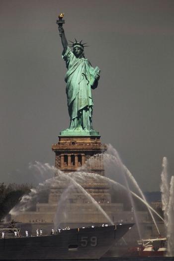 Статуя Свободы в Нью-Йорке закроется на год. Фото:Spencer Platt/Getty Images