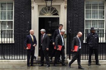 В Великобритании круглосуточно работают суды. Фото:Dan Kitwood/Getty Images