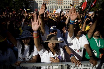 В акциях протеста против приезда Папы Римского в Мадрид есть  пострадавшие. Фото: David Ramos/Getty Images