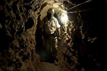 Контрабандный туннель обнаружен на границе между Мексикой и США. Фото с france24.com