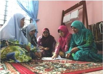 В Малайзии мусульманки основывают клуб послушных жен. Фото с n24.de
