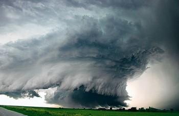 Торнадо в США унесли жизни 72 человек. Фото с newsens.info