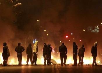 Протесты в Чили вылились в уличные бои.Фото с .tagesschau.sf.tv