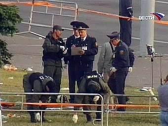Сотрудники КГБ Белоруссии на месте взрыва. Кадр телеканала