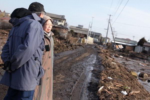 Япония после цунами переживает тяжелейший кризис со времен Второй мировой войны. Фото: YOMIURI SHIMBUN/MIKE CLARKE/TORU YAMANAKA/AFP/Getty Images
