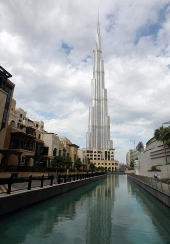 Самый высокий в мире небоскреб открывается в Дубае.Самый высокий в мире небоскреб Бурдж Дубай.  Фото: KARIM SAHIB/AFP/Getty Images