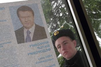 В Украине завершается обработка бюллетеней. Фото:  Vasiliy BATANOV/AFP/Getty Images