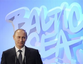 Премьер-министр РФ Владимир Путин в рамках рабочего визита в Финляндию примет участие в Саммите действий по Балтийскому морю — 2010 в Хельсинки. Фото:  MARKKU ULANDER/AFP/Getty Images