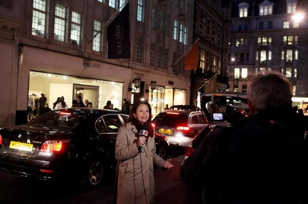 Магазин Александра Маккуина в трауре. Фото:  Neil Mockford/Getty Images