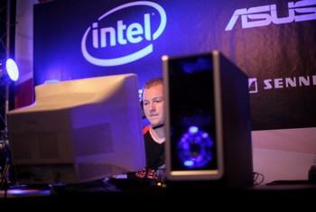 Федеральная торговая комиссия США (FTC) подала иск против корпорации Intel. Фото:  Miguel Villagran/Getty Images