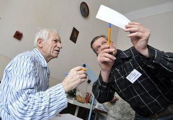 В Германии не хватает врачей. Фото:  YURIY DYACHYSHYN/AFP/Getty Images