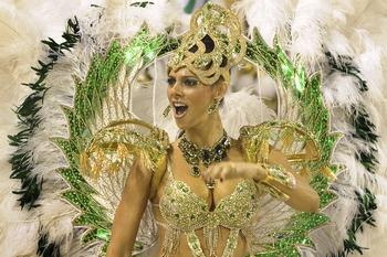 В Рио-де-Жанейро объявлена лучшая школа самбы, победившая на карнавале.  Фото: ANTONIO SCORZA/AFP/Getty Images