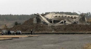 При взрыве мемориала славы в Кутаиси погибли мать с дочкой. AFP/Getty Images
